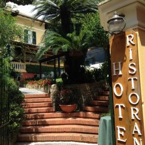 Portofino scene 2 steps