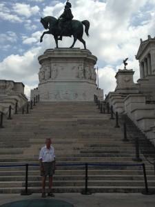 Rome 3 JE at Emmanuel 2 monument