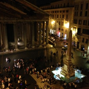Rome 4 Piaza de Rotunda Sat. nite